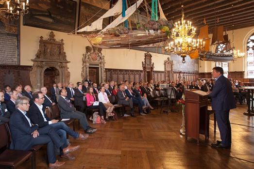 Rund 140 Gäste feierten das fünfzehnjährige Bestehen der Bremer Umweltpartnerschaft im feierlichen Ambiente des Rathauses. (c) UU/Fried.
