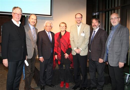 (v.l.) Klaus-Joachim Scheunert, Martin Oldeland, Prof. Dr. Garabed Antranikian, Prof. Dr. Kerstin Kuchta, Dr. Ralf Grote, Axel Schmidt, Prof. Dr. Georg Müller-Christ